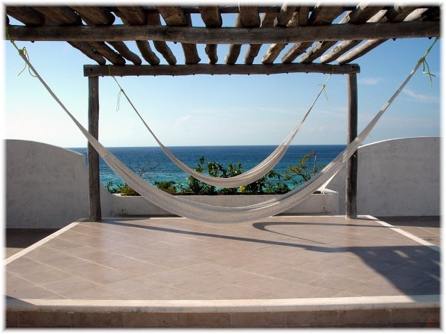 tam 2015 roof-hammocks-at villa coronado640x480 (3)