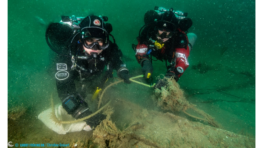 Kerry and James removing Ghost Gear