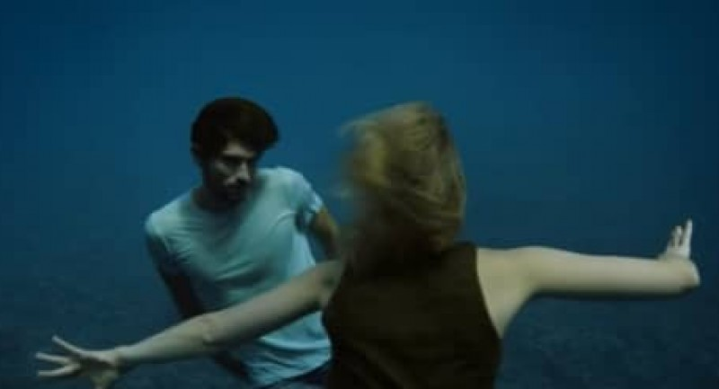 Go-freediving-Freediving-in-a-music-video-Naughty-Boy-Runnin-Lose-It-All-ft.-Beyoncé-image-2.jpg