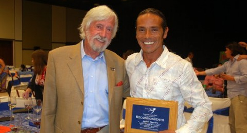 PR-CSF-Recognition-with-Jean-Michel-Cousteau-Javier-Herrera-Pro-Dive-Mexico.jpg